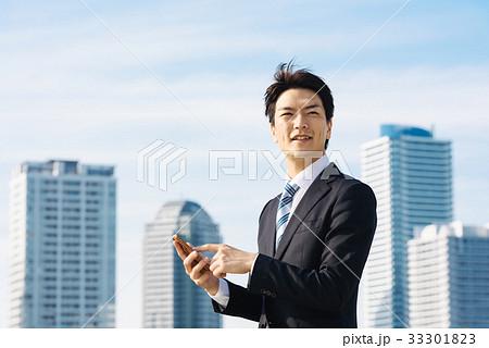 ビジネス 空とビル 33301823