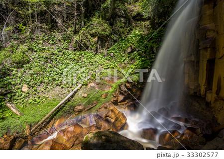 滝壺の虹1 33302577