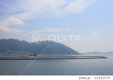 train view of Seto Inland Sea 33341574