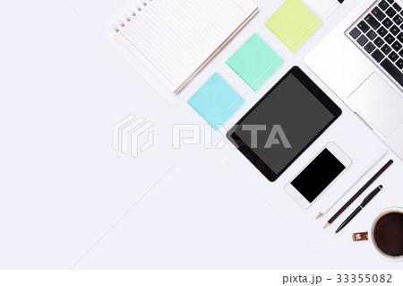 Top view of  white office desk table.の写真素材 [33355082] - PIXTA