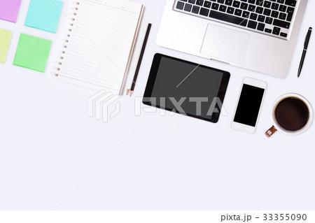 Top view of  white office desk table.の写真素材 [33355090] - PIXTA