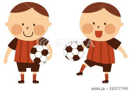 サッカーする男の子 33377740