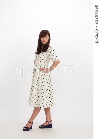 ファッション 若い女性 33394590