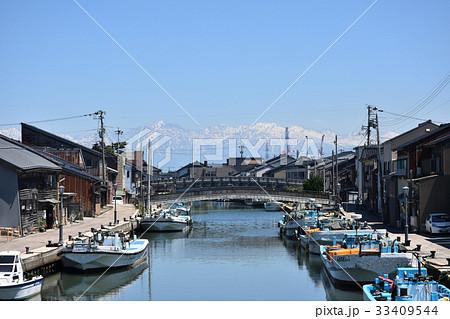 日本のベニス 内川と立山連峰 射水市新湊 33409544