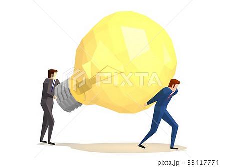 電球を運ぶビジネスマン 33417774