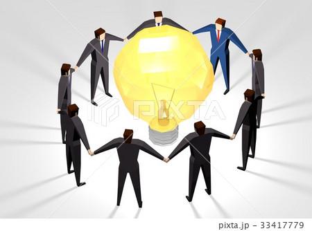 電球を囲むビジネスマン 33417779