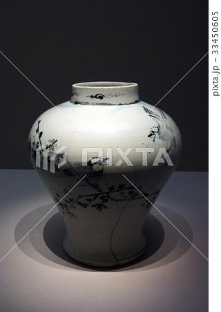 白磁 展示 朝鮮時代の写真素材 [33450605] - PIXTA