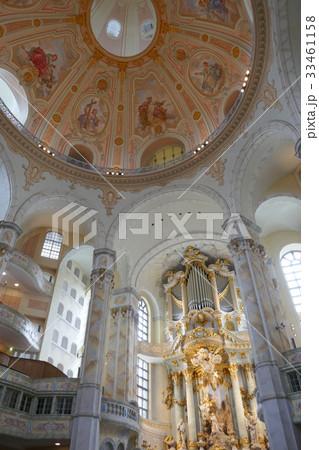 ドレスデン・聖母教会の中 33461158