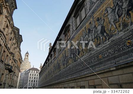 ドレスデン・君主たちの行列と聖母教会 33472202