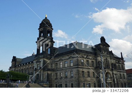 ドレスデン地方裁判所とブリュールのテラスへの階段 33472206