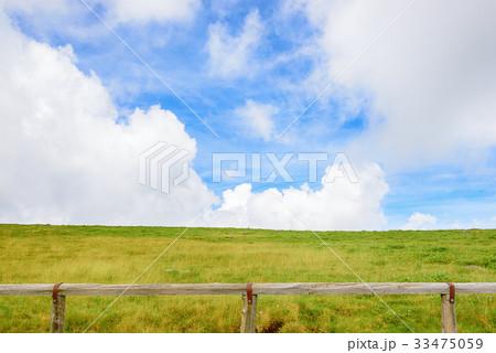 草原と空 33475059