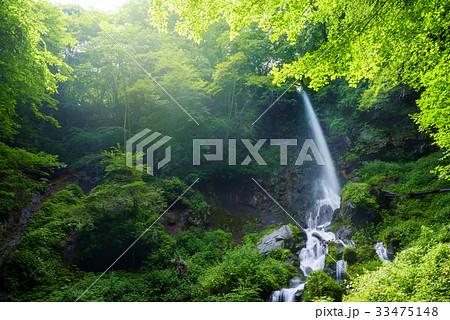 日本の滝、長野県、軽井沢町。 33475148