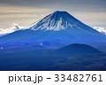 三方分山山頂から眺める冬の富士山 33482761