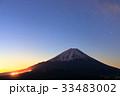 精進湖パノラマ台から見る未明の富士山 33483002