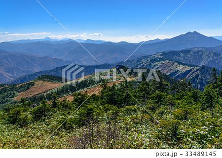 会津駒ケ岳からの眺望の写真素材...