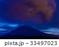 【静岡県】照明弾に照らされた赤い雲と夏富士 33497023