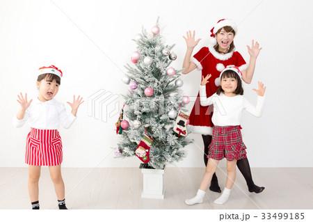クリスマス 子供とサンタ 33499185