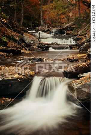 Autumn waterfalls 33512244