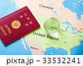 地図とパスポート 33532241