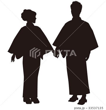 シルエット 浴衣のカップル 盆踊り 祭り ゆかた姿 手をつなぐ 33537135