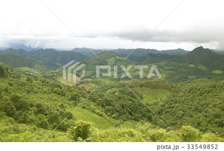 Mountain expanses Lush, rainy season 33549852