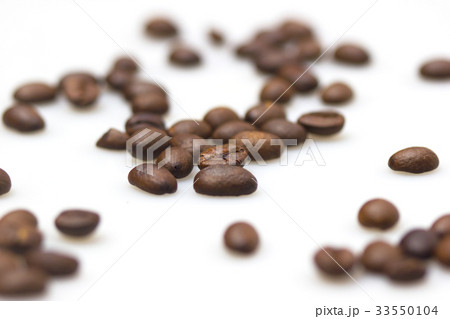 Roasted coffee beans 33550104