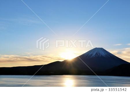日出ずる国 富士山の夜明け 33551542
