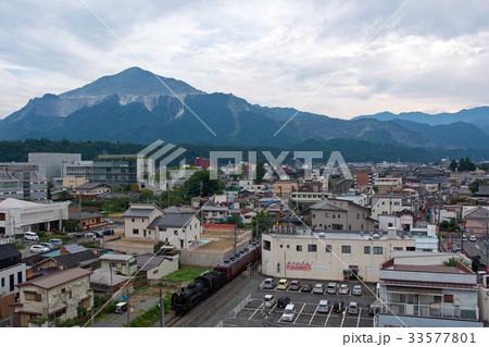 武甲山と蒸気機関車 33577801