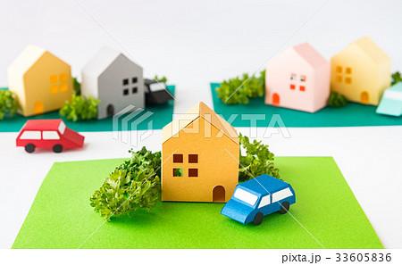 緑のある街 コミュニティ 町並み 住宅地 不動産 道路 ペーパークラフト 33605836