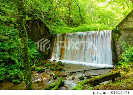 砂防堰堤、軽井沢の渓流。 33619473