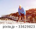 ビーチ 浜辺 男性の写真 33629823