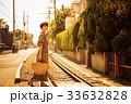夕方 女性 旅行 湘南 江ノ電 ショートトリップ 散策 散歩 一人旅 33632828
