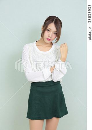 若い女性 ポートレート 33633933