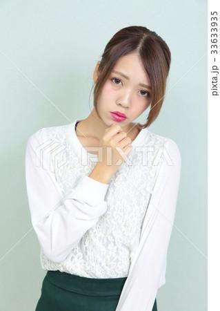 若い女性 ヘアスタイル ポートレート 33633935