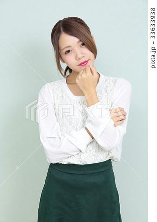 若い女性 ポートレート 33633938