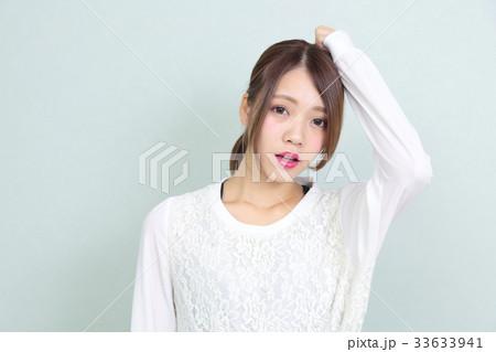 若い女性 ヘアスタイル ポートレート 33633941