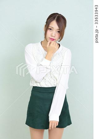 若い女性 ポートレート 33633943