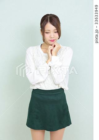 若い女性 ポートレート 33633949