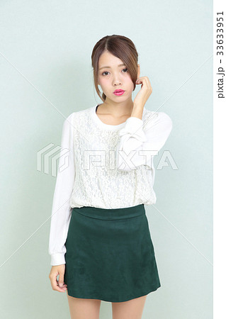 若い女性 ポートレート 33633951