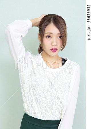 若い女性 ヘアスタイル ポートレート 33633955