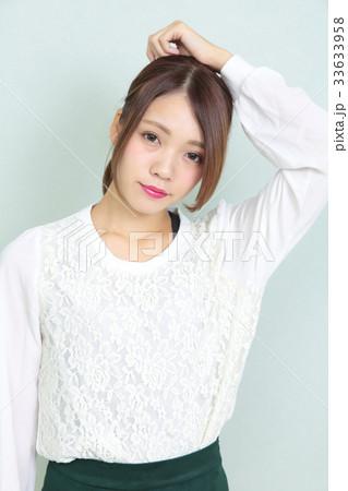 若い女性 ヘアスタイル ポートレート 33633958