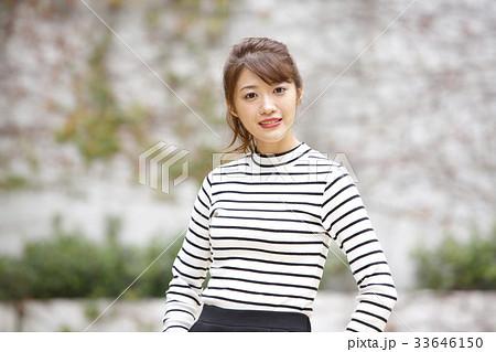 若い女性のポートレート  33646150