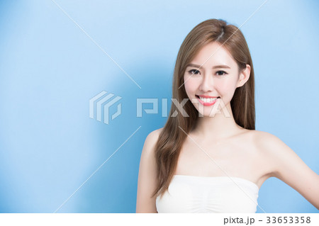 beauty woman smile happily 33653358