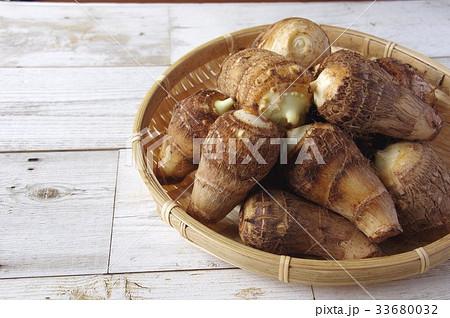 里芋 根菜の写真素材 [33680032] - PIXTA
