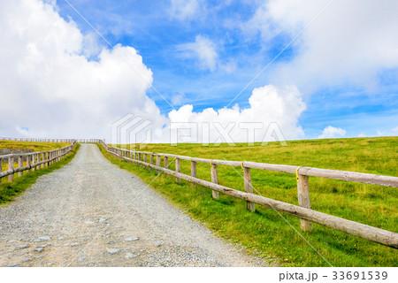 高原の風景、長野県、美ヶ原高原。 33691539