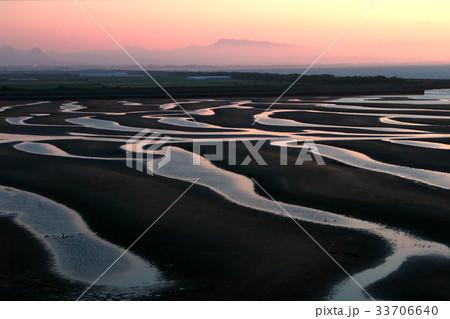 夕陽の干潟 33706640