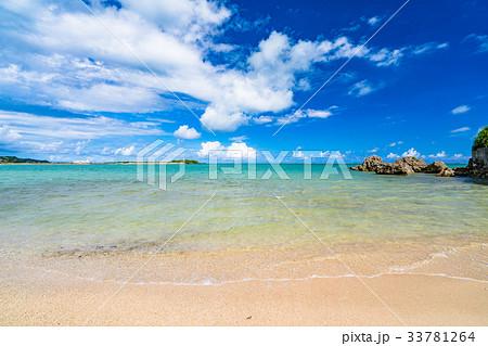 《沖縄県》エメラルドグリーンの美しい海 33781264