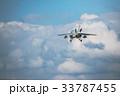 滑空する航空自衛隊練習機T-4 33787455