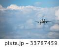 滑空する航空自衛隊練習機T-4 33787459