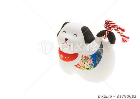 戌年 年賀素材〜笑顔の白犬 33790682